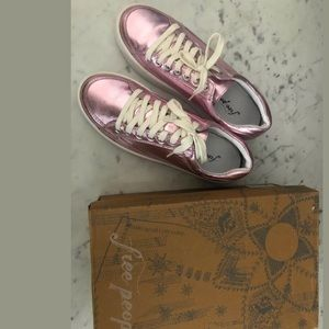 Brand new w/box Free People Metalic sneakers